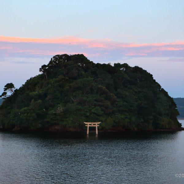 小島神社 撮影:大沢邦生